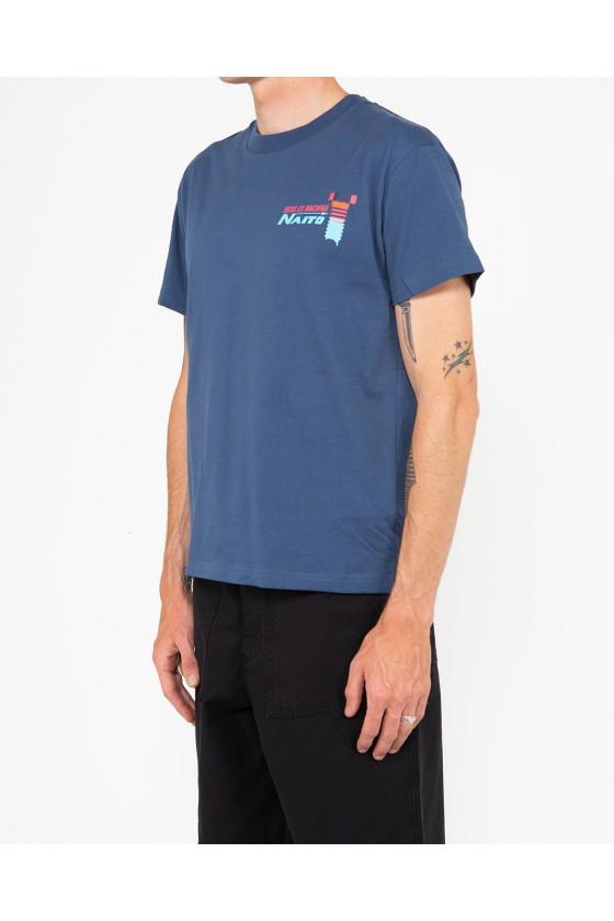 T-shirt - Naito Box Blue - Deus Ex Machina